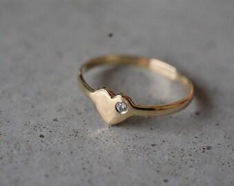 Diamond ring, yellow gold diamond ring, unique engaement ring, gold heart ring, wedding ring, delicate engagement ring, uniqe wedding band