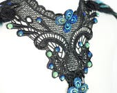 Collar of lace applique with blue green peacock Cabochons ,Kragen aus Stickereispitze mit blau grünen Cabochons