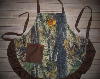 Monogrammed Camouflage Aprons, Personalized gift, Personalized Camouflage Apron, Aprons, personalized aprons, baking aprons, cooking aprons