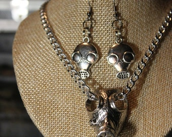set necklace and earrings steampunk gas mask