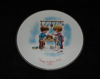 "1978 Gorham Moppets Mother's Day ""Happy Mother's Day"" Collector Plate by Fran Mar"