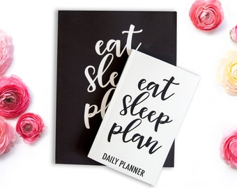 """Daily Dateless Planner - 8.5X11"""" - Handwritten Font - 52 Weeks - Motivational Quote - Priorities - Notes- Schedule - Daily Organizer"""