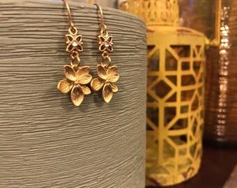 Matte gold flower earring swarovski crystal earrings