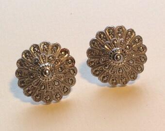 Sterling Silver Vintage screw on Earrings