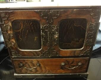 Antique Japanese Trinket box circa 1850 requires more restoration