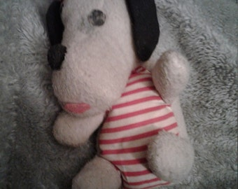 Sale!!!!>>><<<SPECIAL REDUCED PRICE!!<<<>>> 1960's Commonwealth toy. 1960 snoopy wind. Snoopy wind head move.