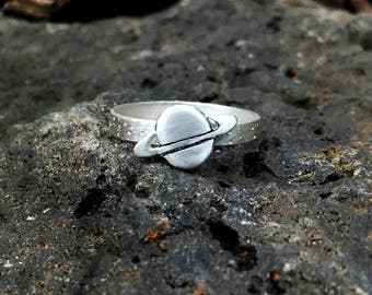 Saturn ring with starry band - sterling silver
