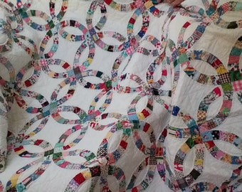 Antique quilt, Double Wedding Ring, tiny pieces!