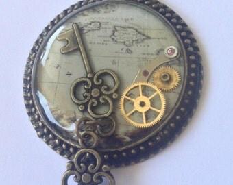 Necklace with pendulum ''Keys''
