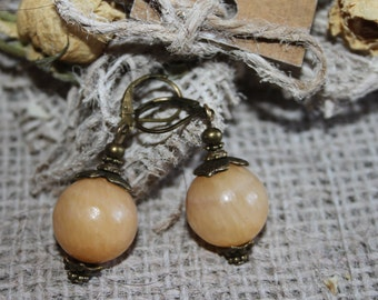 Peach retro earrings. Natural onyx earrings. Big onyx earrings. Peach dangle peach onyx dangle earrings. Big bead pale orange ball earrings.