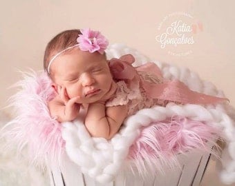 Newborn Baby Girls stretch peach Romper  sleeveless scoop neck low back satin effect ribbons at the back  great  photographers newborn prop