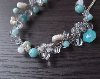 Crochet Jewelry: necklace with lots of crystals like candies