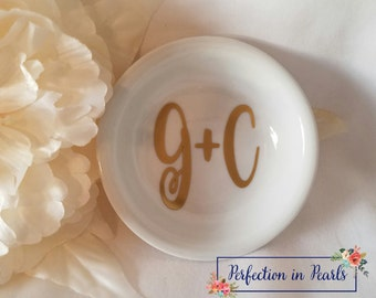 2.60 Shipping // Personalized Ring Dish // Bride to Be Gift // Engagement Gift // Wedding Gift // Bridal Shower Gift // Stocking Stuffer