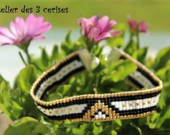 Bracelet white, gold and black triangle in Miyuki beads