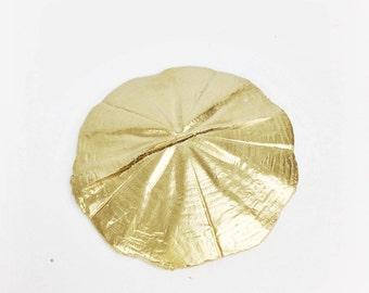Sand Dollar Gold Place Card Holder
