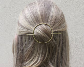 Circle Hair Slide, Metal Hair Clip, Minimalist Hair Clip, Minimalist Hair Accessory, Geometric Hair Clip, Hair Barrette, Hair slide, Gift