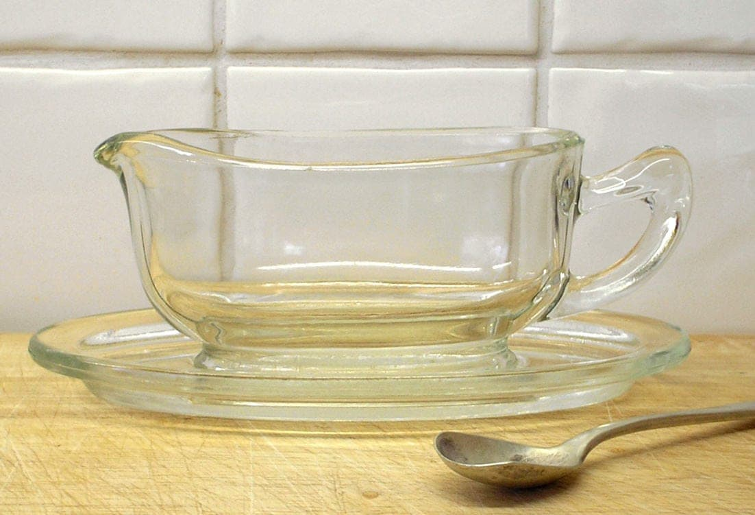 dating pyrex glass Pyrex love is a resource for collectors of vintage pyrex and other glassware this site is in no way affiliated with corning incorporated or world kitchen, llc.