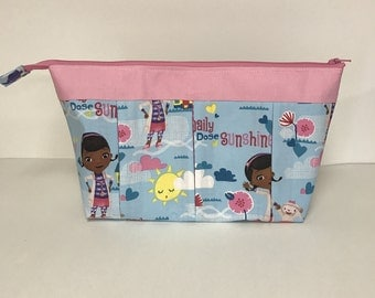 FREE SHIPPING!  Large - Doc McStuffins Storage, Cosmetic, Toiletry Bag.  Zipper and pleated.