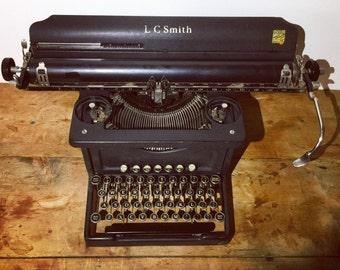 Fully working L.C. Smith typewriter