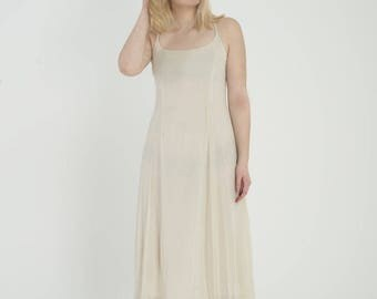Levannah - Cream Chiffon Dress