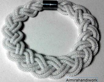 Necklace braid bead