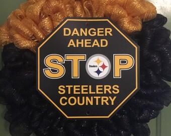 Pittsburg Steelers wreath, Sports team wreath, Steelers gifts, Sports decor, Steelers wreath