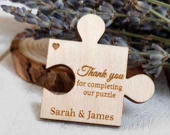 Puzzle Piece Wedding Favors - Custom Wedding Favors - Jigsaw Puzzle Favors - Personalised Wedding Favors Rustic Wooden Table Decorations