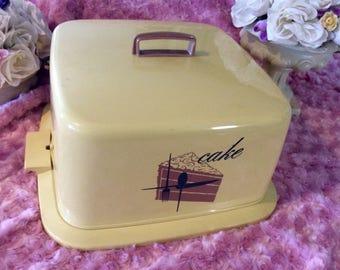 Vintage covered cake carrier