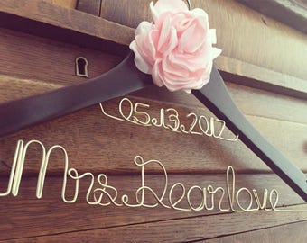 Personalized Wire Bride Hanger - Two Line w/ Flower - Bride/ Wedding Party/ Engagement, Bridal Shower & Baby Shower GIFT/ Birthday/ Baby