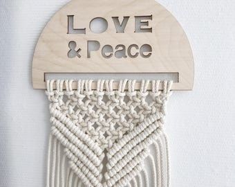 Macrame wallhanging Small/boho/wood plaque/decor/Kids Room