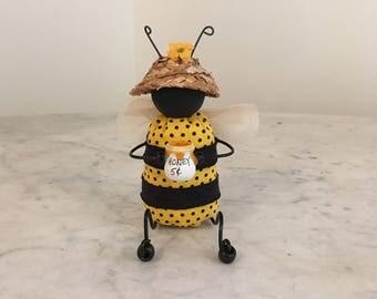 Primitive Bee Shelf Sitter, Summer decor, Bee holding pot of honey