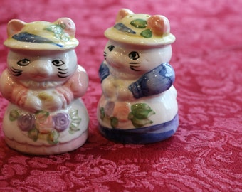 Cat Salt and Pepper Shakers, Cats in Dresses, Dressed Up Cats, Cats in Hats, Vintage S and P Shakers, Teddy Bear Salt and Pepper Shakers