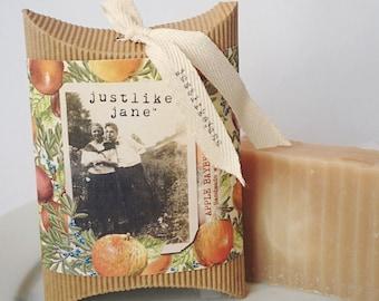 Apple Bayberry Soap / Apple Soap / Vintage Style / Gift Box / Hostess Gift / Vintage Photo / Vegan / Pretty Gift / Autumn / Teacher Gift