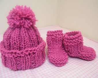knit/crochet baby hat w/ pom pom and booties/knit 3-6 mos raspberry