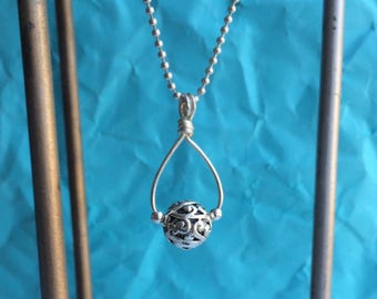 Filigree Ball Necklace//Filigree Ball Pendant and Chain//18 Inch Ball Chain//Silver Plated Filigree Necklace.