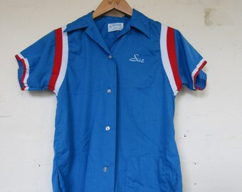 Blue Bowling Shirt with Sue on Front - 32 (size 8)