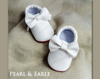 White Baby Shoes, Baby Shoe, Toddler Shoe, Baby Moccasins, Leather Moccasins, Toddler Moccasins, Baby Shoes, White Moccasins, Baby Moccasins