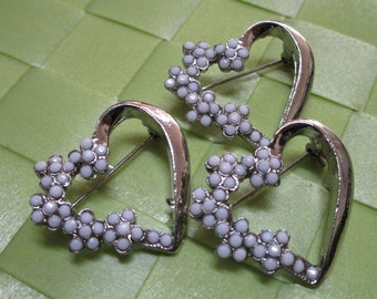 """3 pieces in 1 1/4"""" x 1"""" width silver tone color with white acrylic bead heart pattern brooch for your sewing decorative."""