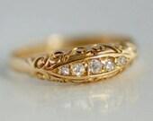 18 carat gold antique rin...