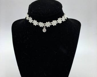 Flower Lace Choker- Silver charm