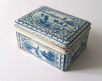 Vintage Delft Blue collector tin