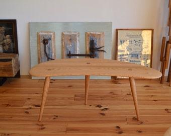 Three legged Table 110 cm Oak