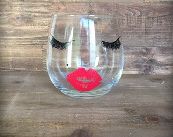 Lips and lashes stemless wine glass