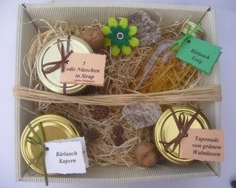 "Gift basket ""Tasty treats"" everything organic"