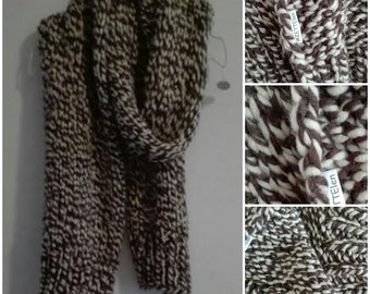 Long scarf in cream and Brown