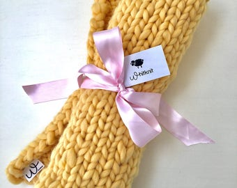 "Soft Chunky Knit Baby Blanket. 100% organic wool hypoallergenic. Chunky blanket. 25"" x 30"". Cuddly Cozy and Lovable"