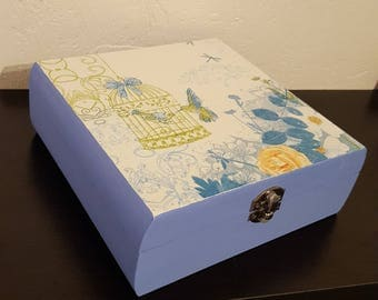Square box hinged freedom of the birds, jewelry box