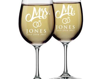 Mr and Mrs Wine Glasses, Mr and Mrs Mason Jars, Mr and Mrs Champagne Flutes, Mr and Mrs Toasting Flutes, Set of 2