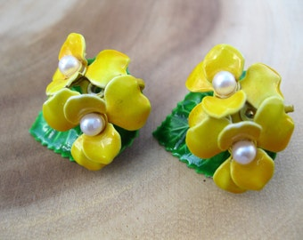 Vintage 60's Pair of Enamel Yellow Pansy Clip-On Earrings Flower Jewelry RETRO