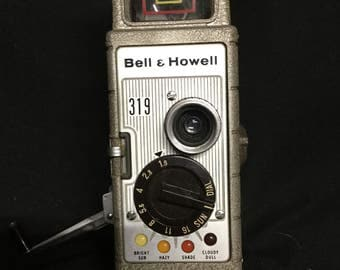 Bell and Howell Vintage 1940's Double 8mm Movie Camera